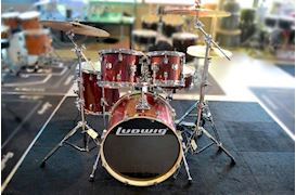 "LUDWIG - LCEE20025 ELEMENT EVOLUTION DRUMSET 20""+HW RED WINE SPARKLE"